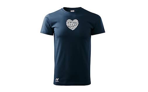 Vyšívané pánske tričko s výšivkou All We Need Is Love