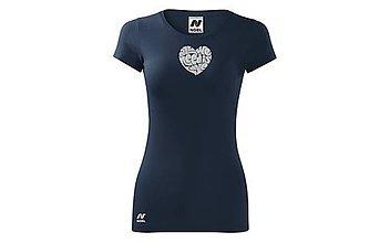 Tričká - Vyšívané dámske tričko výšivkou All We Need Is Love - 10407650_