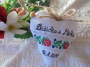 Darčeky pre svadobčanov - Svadobné srdiečko ako darček-folk - 10406244_