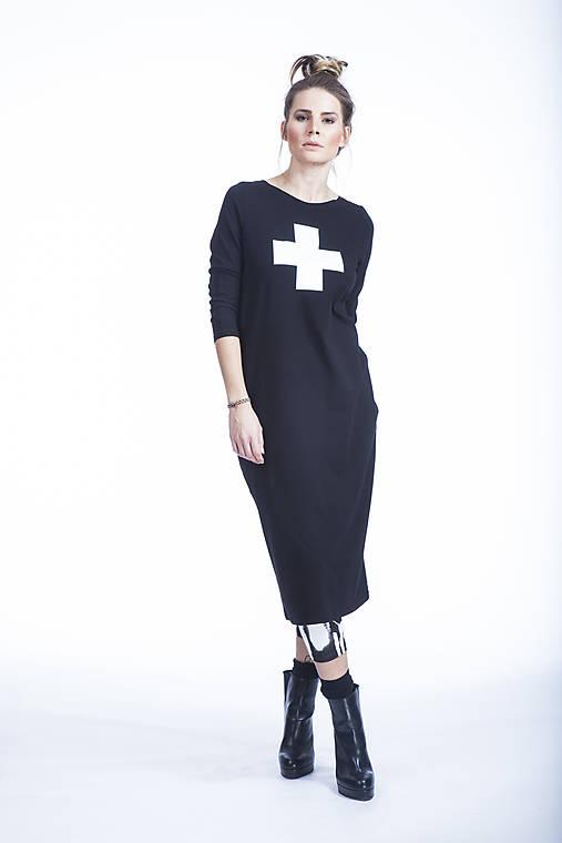 FNDLK úpletové šaty 364 RVL midi   fundaluka - SAShE.sk - Handmade Šaty 2390ddca885