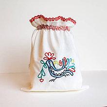 Úžitkový textil - Vyšívané vrecko na pečivo (22x32 cm) - 10410832_