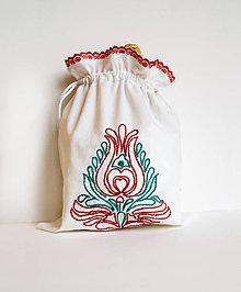 Úžitkový textil - Vyšívané vrecko na pečivo (22x32 cm) - 10410840_