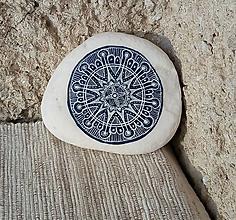 Dekorácie - Ako modrotlač - Na kameni maľované - 10412929_
