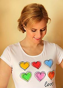 Tričká - Tričko farebné srdiečka... - 10412639_