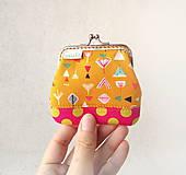 Peňaženky - Peňaženka mini Geometria na okrovej - 10410333_