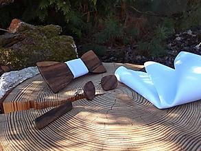 Doplnky - Pánsky drevený motýlik, manžetové gombíky, vreckovka a spona na kravatu - 10416452_