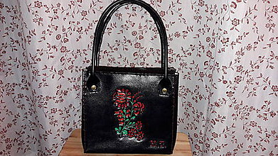 Kabelky - Kožená kabelka s kvetinovým vzorom - 10415269_