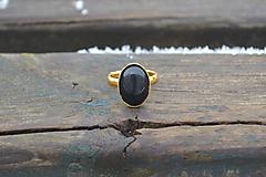 Prstene - Ónyx pozlátený prsteň - 10416019_