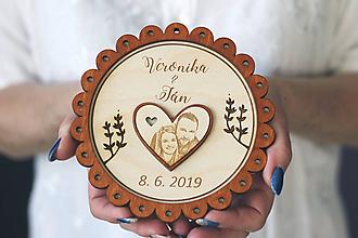 Dekorácie - Svadobný tanierik 2v1 - Margarétka - 10416148_