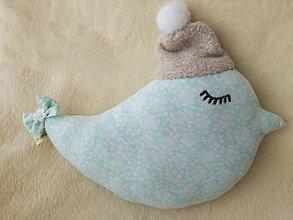 Úžitkový textil - Children's pillow bird - vtáčik s čiapkou. - 10416316_