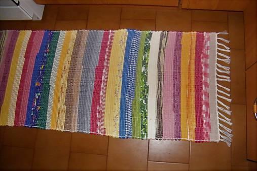 Tkaný koberec pestrofarebný 8