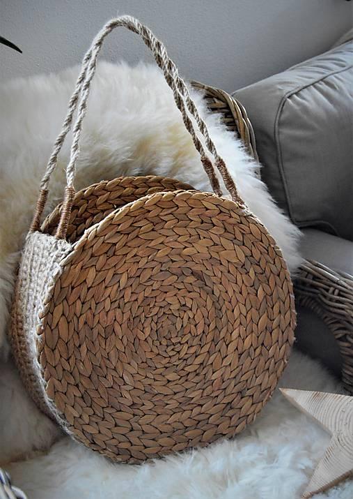 Letná taška z morskej trávy a jutového špagátu