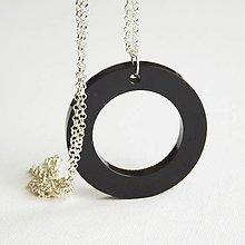 Náhrdelníky - Prívesok 'Coffee' - kruh - 10420963_