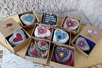 Drobnosti - Krabička na Valentínku - Na kameni maľované - 10421465_