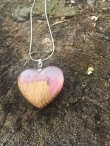 Náhrdelníky - Prívesok Srdiečko Pink&Wood - 10419003_