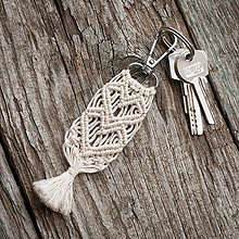 Kľúčenky - Kľúčenka - makramé - srdiečka - 10420054_