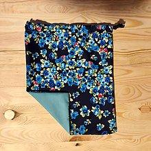 Úžitkový textil - Zero Waste Rôznostranné vrecúško (Modré kvietky) - 10420226_
