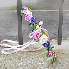 Ozdoby do vlasov - Jemný trojfarebný ružičkový venček - 10423436_