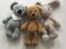 Hračky - Háčkovaný zajko Lou / Crochet bunny Lou - 10422730_