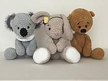 Hračky - Háčkovaný zajko Lou / Crochet bunny Lou - 10422733_