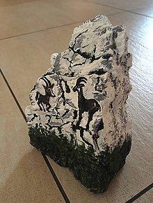 Dekorácie - Kamzíky na skale - 10423513_