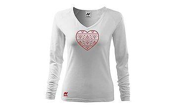 Tričká - Vyšívané dámske tričko s folklórnym motívom srdca, dlhý rukáv - 10422618_