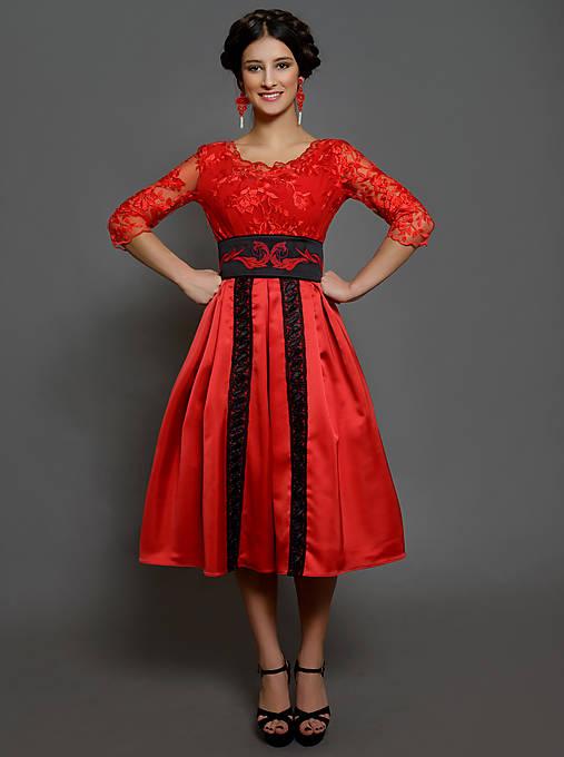 8d21b050fb4a Spoločenské šaty vo folk modernom štýle rôzne farby   Dyona - SAShE ...