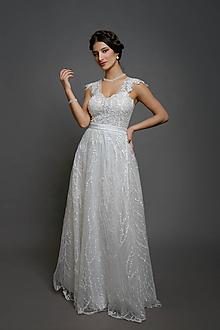 Šaty - Svadobné šaty so srdcovým korzetom a bohatou tylovou vyšívanou sukňou - 10424696_