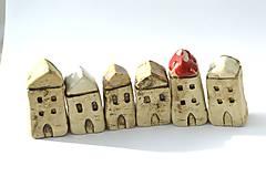 Dekorácie - Domček z dedinky v údolí - 10423269_