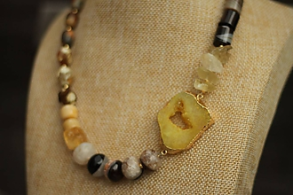 Náhrdelníky - Mohutný náhrdelník s drúzou achát, citrín, jaspis - 10424004_