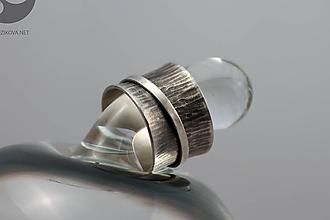 Prstene - Kinetický strieborný prsteň s patinou - 10427918_