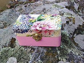 Krabičky - Drevená šperkovnica - kvietky (malá) - 10428718_