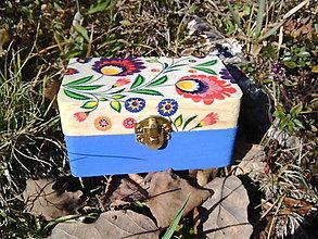 Krabičky - Drevená šperkovnica - kvietky (malá) - 10428770_