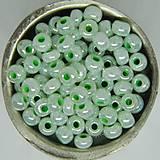 Korálky - Rokajl okrúhly 4mm perleťový svetlozelený - 10429540_