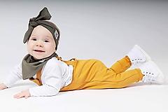 Detské oblečenie - Rastúce tepláky s trakmi  - 10426167_