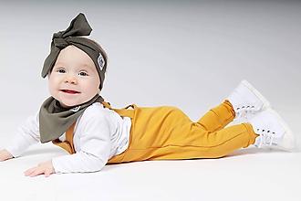 Detské oblečenie - Rastúce tepláky s trakmi  (Horčicová) - 10426167_