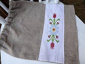Úžitkový textil - ľanové vrecko s výšivkou - 10430172_
