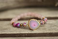 Náramky - Náramok s achátovou drúzou a minerálmi regalit, ruženín - 10426618_
