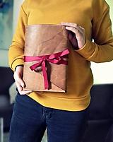 - Kožený zápisník