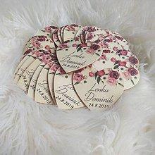 Darčeky pre svadobčanov - Magnetka pre hostí v tvare srdiečka - 10432920_