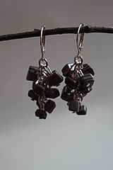 Náušnice - Šedé zlomkové perleťové - 10433972_