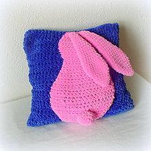 Úžitkový textil - heboučký králíčkový vankúš 🐰 - 10434084_