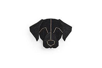 Odznaky/Brošne - Drevená brošňa Black Labrador Brooch - 10436426_