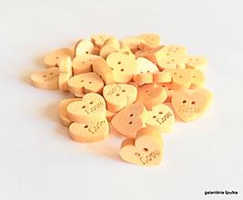 Galantéria - drevený gombík srdce LOVE 10mm - 10436158_