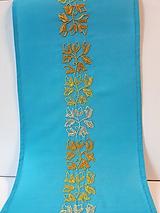 Úžitkový textil - Vyšívaný obrus stredový - tyrkysový, 20 x 138 cm - 10434843_