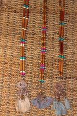 Náhrdelníky - Bohémsky náhrdelník so strapcami - 10435004_