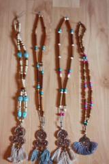 Náhrdelníky - Bohémsky náhrdelník so strapcami - 10435009_