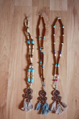 Náhrdelníky - Bohémsky náhrdelník so strapcami - 10435038_