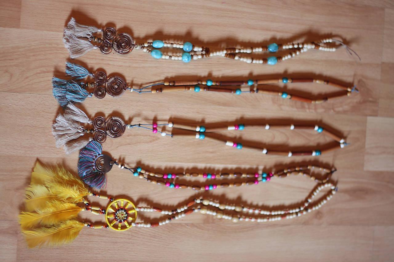 Bohémsky náhrdelník so strapcami