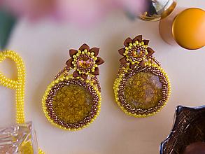 Náušnice - Výpredaj: náušnice žlto-oranžové s kvetinou - 10437924_